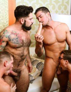 Boquete grupal com machos gostosos