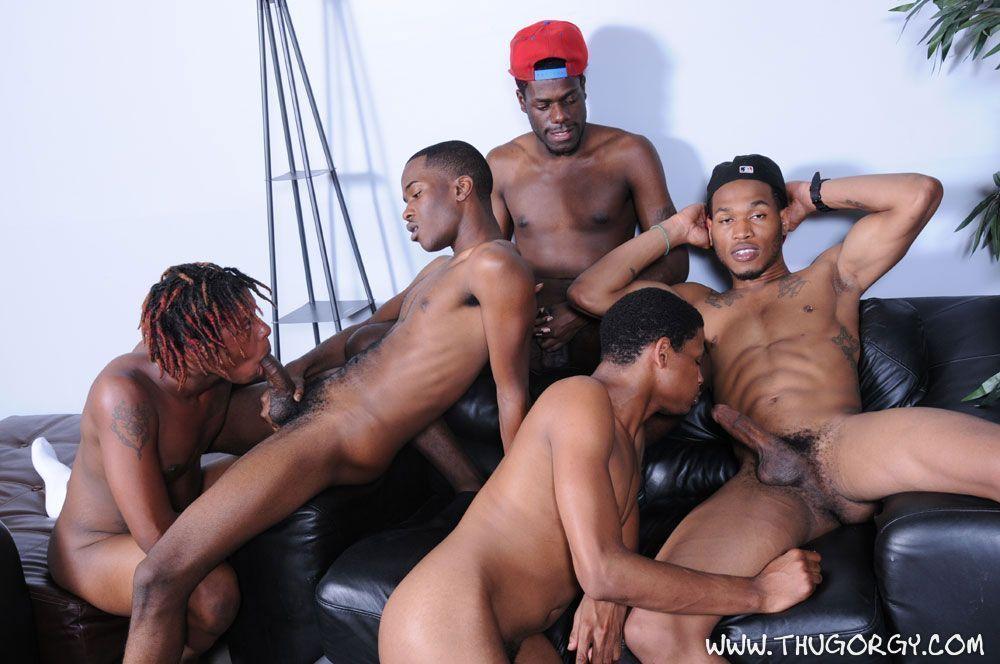 Orgia com homens negros dotados