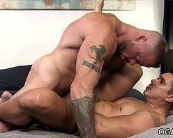Homens gostosos pelados fazendo sexo gay picante