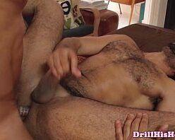 Homens gostosos pelados fazendo sexo gay quente