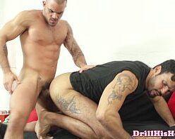 Video de homens brutos fazendo sexo gay quente