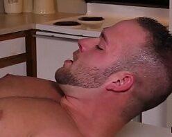 Assistir vídeo de héteros gostosos transando no sexo gay