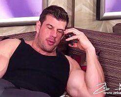 Porno novinho gay fodido por hétero bombado