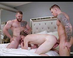 Videos de orgia gay com dotados comendo veado