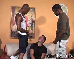 Xvideo orgia com gay dando para negros dotados