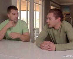 Vídeo de hétero comendo a bundinha do amigo gay