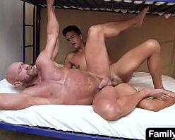 Contos gays HD musculoso hétero dando a bunda