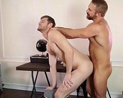Sexo video gays passivo dando a bundinha branca